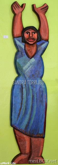 Ako, a wooden sculpture by Sandra Torrijos.