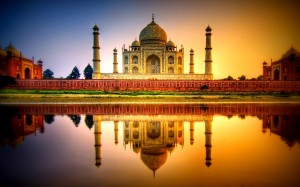 The Taj Mahal in Agra, India: Beyond words. [Image courtesy of pcwallart(dot)com]